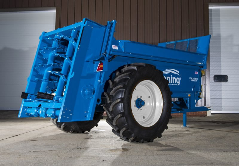 Farmstar 60 TVA with slurry door, 240mm extensions and 520/70 R34 wheels