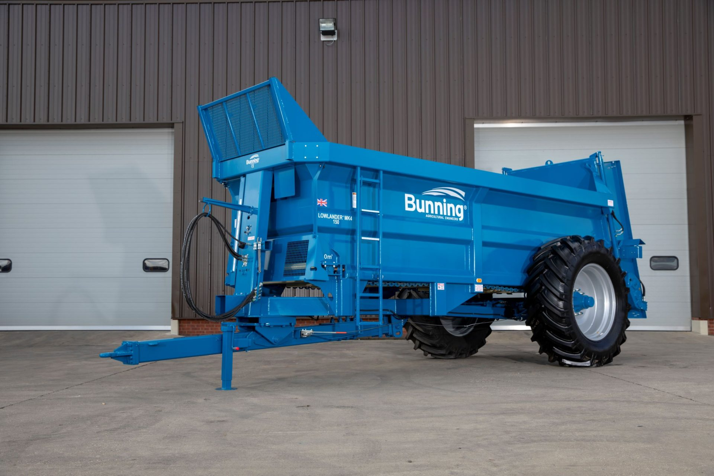 Lowlander 150 Mk4 with sprung drawbar, weigh cell ready, slurry door and 580/70 R38 wheels