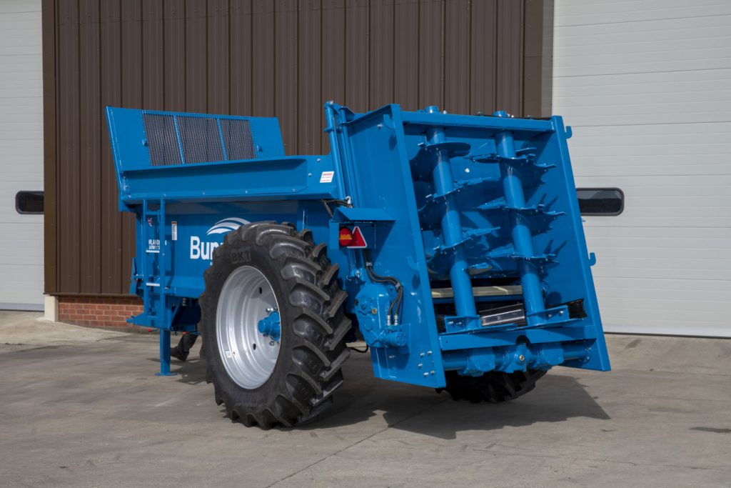 Farmstar 60 TVA with slurry door, 240mm extensions and 420/85 R34 wheels