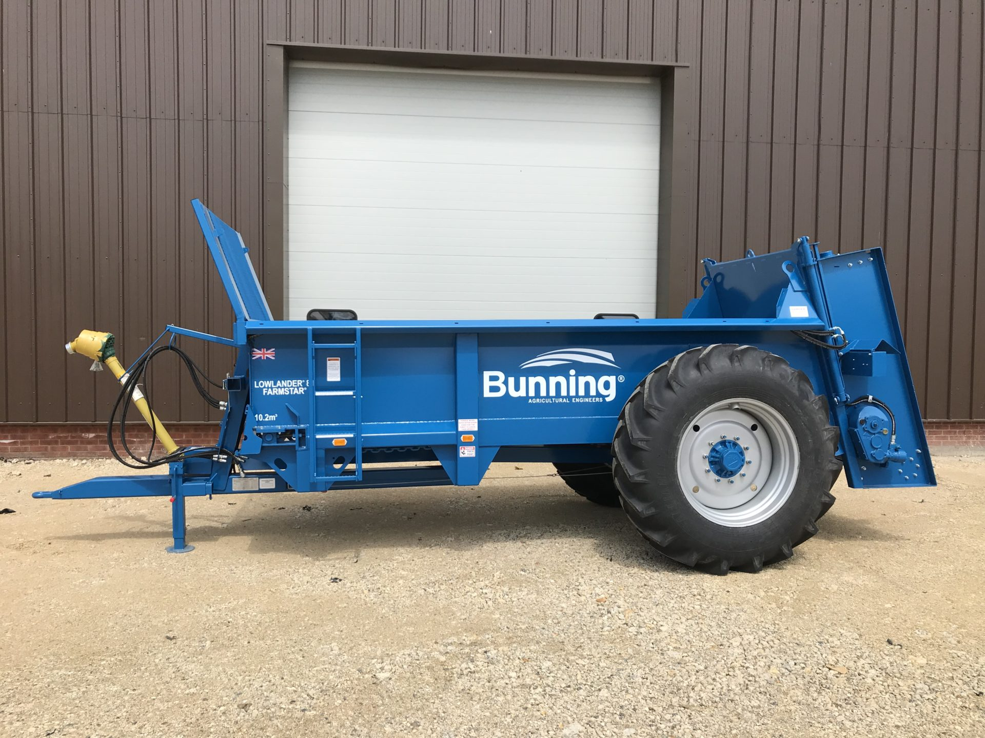 Farmstar 80 TVA with slurry door, wide angle PTO and 18.4-34 wheels