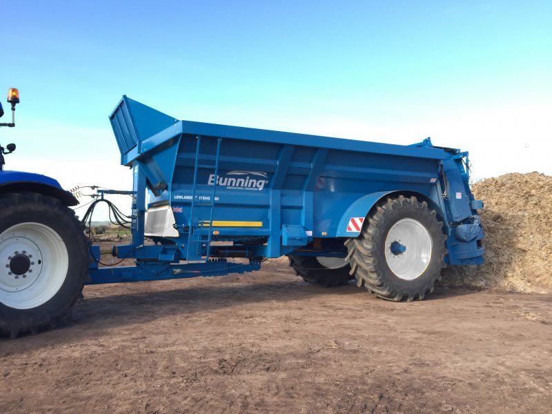 Lowlander 175 HD HBD Mk2 with slurry door, slurry door indicator, hydraulic opening canopy, ISOCAN weigh system, sprung drawbar, air brakes, toolbox, mudguards + lights and 710/70 R42 wheels