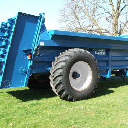 Lowlander 180 Widebody with slurry door, 305mm bolt on extensions sides, 18 tonne sprung drawbar and 710/70 R38 HL wheels