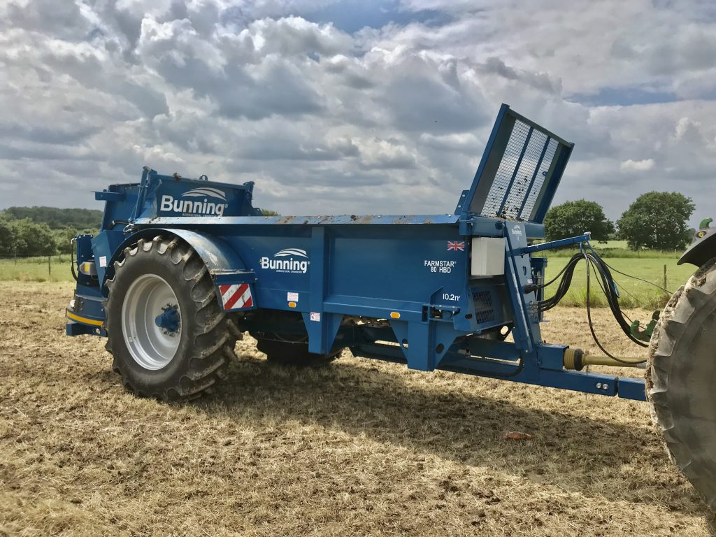 Farmstar 80 HBD with slurry door, slurry door indicator, ISOCAN weigh cell system, rear flashing beacons, mudguards and lights and 520/85 R38 wheels